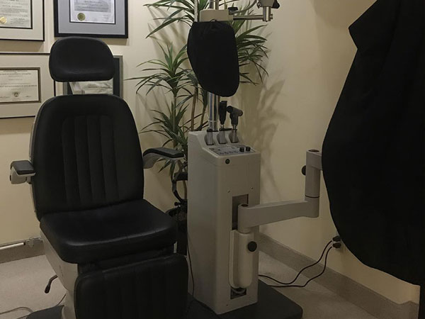eye exam room at Murrayhill Eye Care